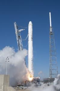 Falcon_9_COTS_Demo_F1_Launch